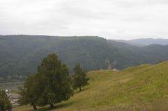 Montanhas da vila da imagem Fotos de Stock Royalty Free
