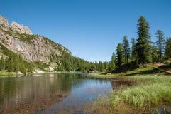 Montanhas das dolomites, Croda a Dinamarca Lago Imagens de Stock Royalty Free
