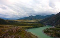 Montanhas de Altai. Paisagem bonita das montanhas foto de stock royalty free