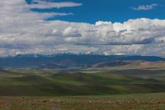 Montanhas de Altai Paisagem bonita das montanhas mongolia fotos de stock royalty free