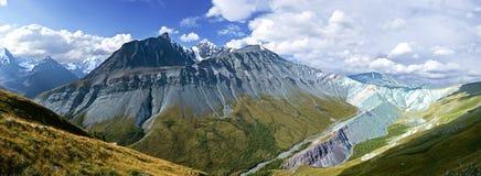 Montanhas de Altay imagem de stock