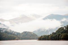 Montanhas de Bucegi, parte de Carpathians do sul Fotografia de Stock