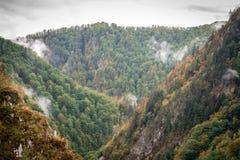 Montanhas de Bucegi, parte de Carpathians do sul Imagem de Stock