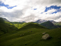 Montanhas de Cáucaso fotos de stock royalty free
