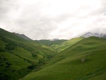 Montanhas de Cáucaso imagem de stock