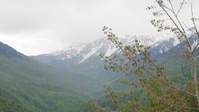 montanhas de Cáucaso Neve-tampadas 004 filme