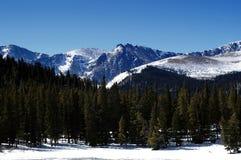 Montanhas de Colorado no inverno imagem de stock