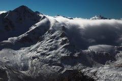 Montanhas de Elbrus Fotos de Stock Royalty Free