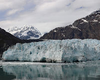 Montanhas de Elias de Saint e geleira de Margerie imagem de stock royalty free