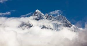 Montanhas de Hymalayas Fotografia de Stock Royalty Free