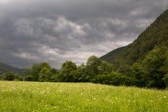 Montanhas de Lepsa Vrancea, por do sol Foto de Stock