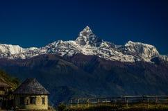 Montanhas de Nepal fotografia de stock