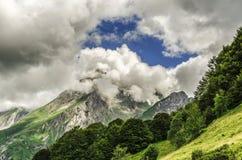 Montanhas de Pyrenees imagens de stock