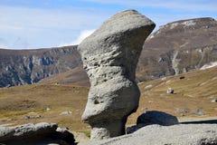 Montanhas de Romênia a Transilvânia Fotos de Stock