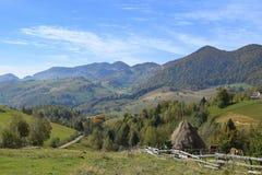 Montanhas de Romênia a Transilvânia Fotografia de Stock Royalty Free