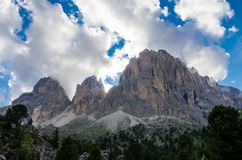 Montanhas de Sassolungo e de Sassopiatto, Itália fotos de stock