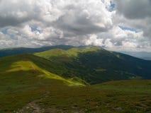 Montanhas de Ucrânia Fotos de Stock Royalty Free