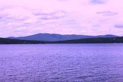 Montanhas distantes fotos de stock