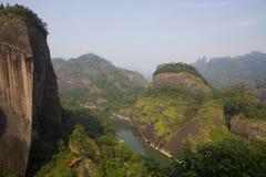 Montanhas do âWuyi da vista Imagens de Stock Royalty Free