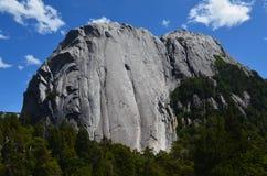Montanhas do granito no vale do ³ de CochamÃ, região dos lagos do Chile do sul imagem de stock