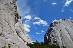 Montanhas do granito no vale do ³ de CochamÃ, região dos lagos do Chile do sul fotografia de stock