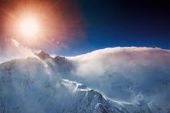 Montanhas do inverno Fotos de Stock Royalty Free
