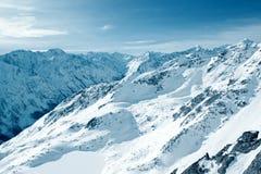 Montanhas do inverno. Fotografia de Stock Royalty Free