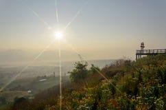 Montanhas do nascer do sol e da vista Imagem de Stock
