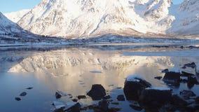 Montanhas do norte no por do sol video estoque