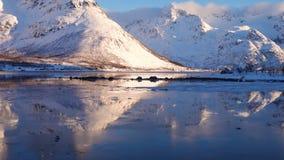 Montanhas do norte no por do sol filme