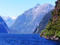 Montanhas do sul dos alpes de Nova Zelândia Fotos de Stock Royalty Free