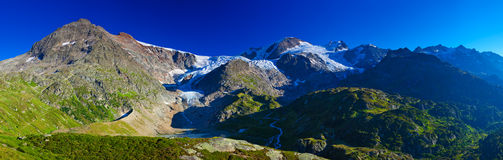 Montanhas dos cumes Foto de Stock Royalty Free