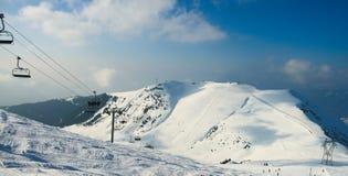Montanhas dos cumes do inverno Imagem de Stock