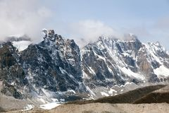 Montanhas dos Himalayas, vista Himalaia de Kala Patthar Fotografia de Stock Royalty Free