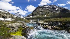 Montanhas e água Foto de Stock Royalty Free