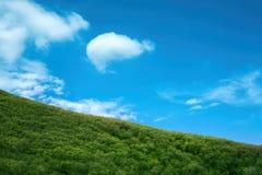 Montanhas e céu Foto de Stock