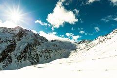 Montanhas e céu imagem de stock royalty free
