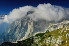 Montanhas e céu azul, parque nacional de Triglav Imagens de Stock