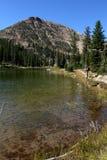 Montanhas e lago de Uinta fotos de stock