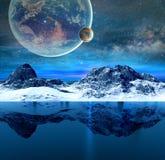 Montanhas e mar transparente bonito Imagem de Stock Royalty Free