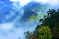 Montanhas e névoa Fotografia de Stock Royalty Free