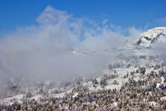 Montanhas e nuvens Foto de Stock Royalty Free