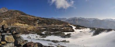 Montanhas e nuvens em Arunachal Pradesh, Índia Fotos de Stock Royalty Free