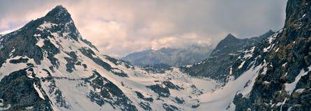 Montanhas e nuvens em Arunachal Pradesh, Índia Imagens de Stock Royalty Free