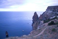 Montanhas e paisagem do mar Fotografia de Stock Royalty Free
