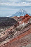 Montanhas e vulcões Paisagem bonita de Kamchatka Penins Foto de Stock