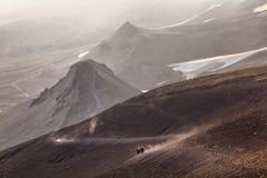 Montanhas e vulcões Paisagem bonita de Kamchatka Penins Imagem de Stock
