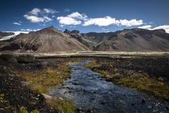 Montanhas em Islândia foto de stock