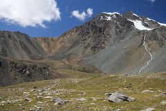 Montanhas em Quirguistão Fotografia de Stock
