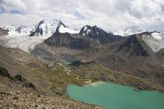 Montanhas em Quirguistão Foto de Stock